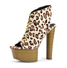 Stylish leopard print high heel shoe