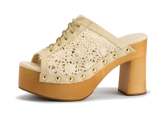 Fashionable Summer Shoe with Medium Size Heels