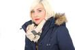 blonde frau mit Winterjacke