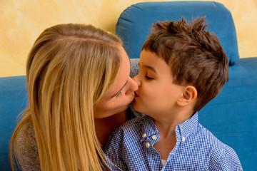 Kind mit Frau