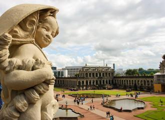 Dresden Little angel over Zwinger 01
