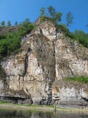 Скалистые берега реки Ай