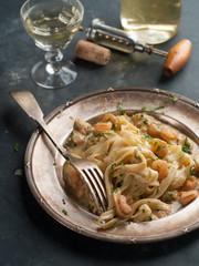 Tagilatelle with shrimp