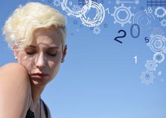 blonde Frau mit Zahlenspiel