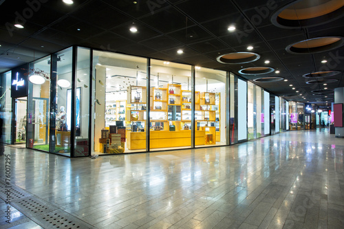 storefront in shopping mall - 76007295