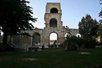rovine romane di arles francia