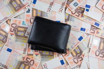 Portafoglio con banconote