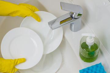 wash white plates