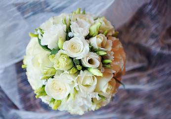 white wedding bouquet of flowers