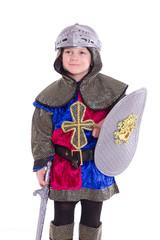 Ritter mit Schutzhelm, Schild und Schwert auf weißen Hintergrund