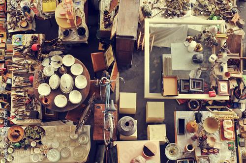 Leinwanddruck Bild bits and pieces in a flea market