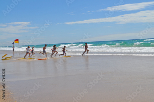 Poster Oceanië Life Saving training on Australian iconic beach, Gold Coast.