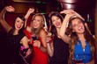 Obrazy na płótnie, fototapety, zdjęcia, fotoobrazy drukowane : Pretty friends drinking cocktails together