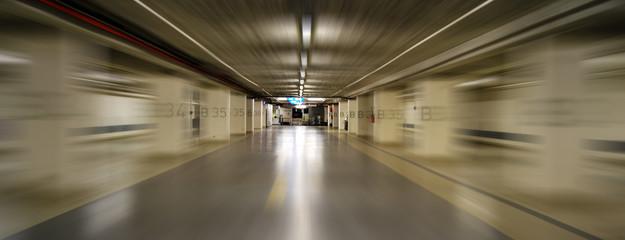Parking souterrain panoramique et mouvement