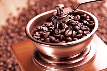 Kaffee Mühle mit Kaffeebohnen