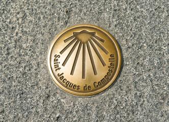 Balisage en bronze dans les rues du Puy en Velay