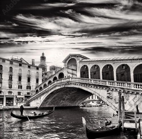 Obraz na Szkle Gondolier, Rialto Bridge, Grand Canal, Venice, Italy