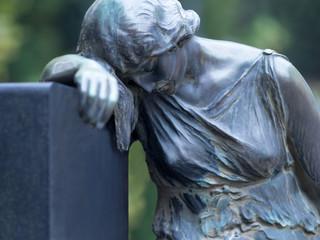 Grabmal auf dem Friedhof