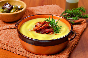 cream of potato and leek with toasted bacon