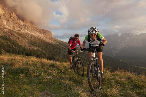 Poster, Tablou Competition Race on a mountain bike