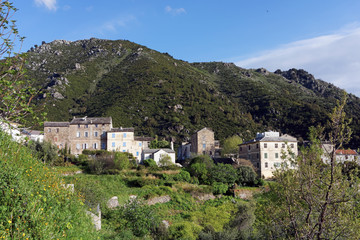 Village de haute Corse en costa verde
