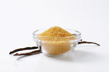 Golden brown raw cane sugar