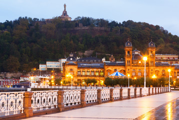 Embankment at Donostia in  early  morning
