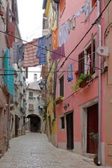 Street clothesline