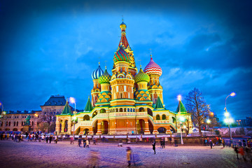 Attractions Moscow - St. Basil's Cathedral on Red Square