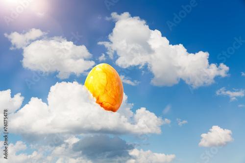 Leinwanddruck Bild ostern - osterei in wolken