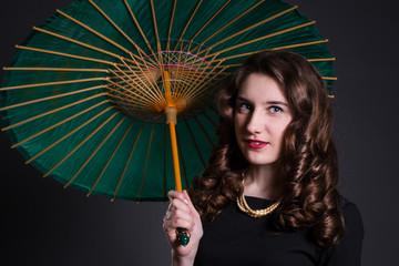 Девушка старинный зонт