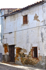 Coria, Cáceres, vivienda deshabitada, estragos, deterioro