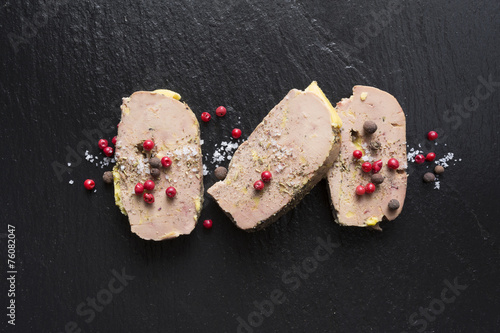 Plexiglas Voorgerecht Tranche de Foie gras sur Ardoise