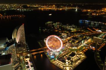 夜の横浜港