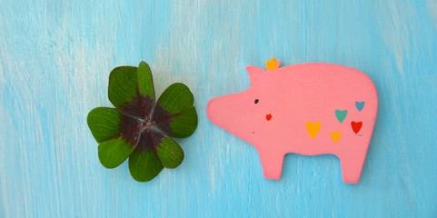 Viel Glück - Kleeblatt und Schweinchen