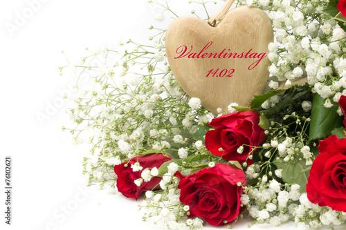 Magele Picture   Fotolia.com Rote Rosen Mit Schleierkraut Und Holzherz Zum  Valentinstag