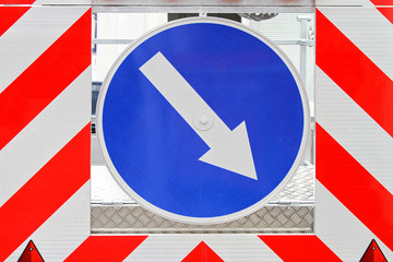 Traffic arrow