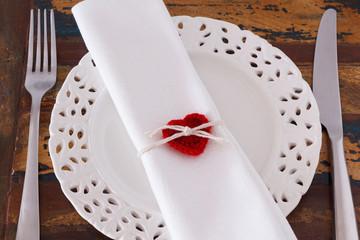 Decoration Saint Valentine's day: White plate serviette fork