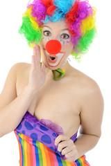 Clown zieht Kostüm herunter