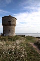 Le sentier du littoral:ancien moulin.