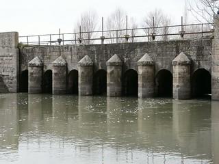 eski sulama kanal köprüsü