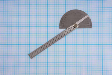 Protractor on graph paper
