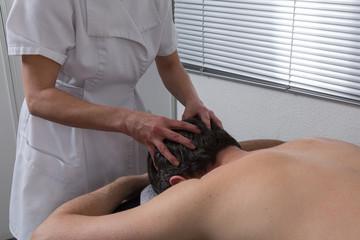 Massage crânien énergétique