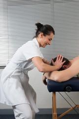 Massage  shiatsu de la tête