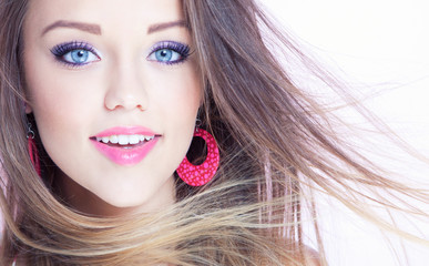 Young attractive smiling woman, beauty style concept