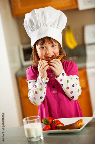 Kitchen Girl:  Kid Chef Eating Lunch