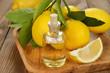 Leinwanddruck Bild - Lemon essential oil