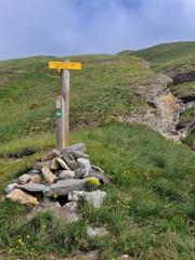 sentier de randonnée en haute-maurienne