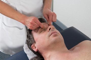 Massage facio-crânien et  yeux