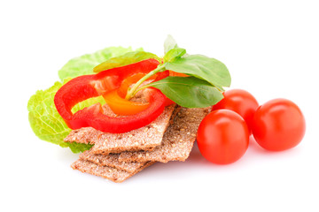 Crackers with fresh vegetables